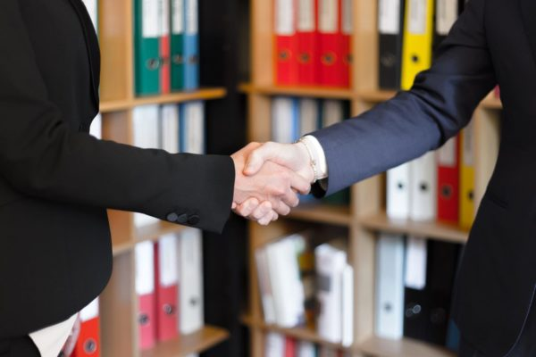 Waving Goodbye to the Handshake: Creative Alternatives You Can Try on Your Next Interview